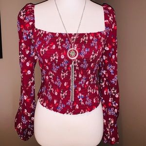 🌸NWT Floral Top🌸